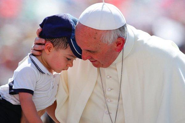pope-francis-child-1.jpg